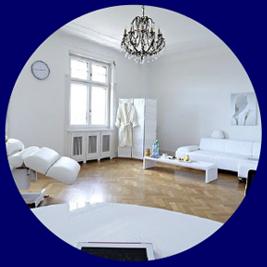 חדרים מרווחים ומפנקים הכוללים מיטה חשמלית אורטופדית מתקדמת ותנאים נוחים ביותר להחלמה אידיאלית